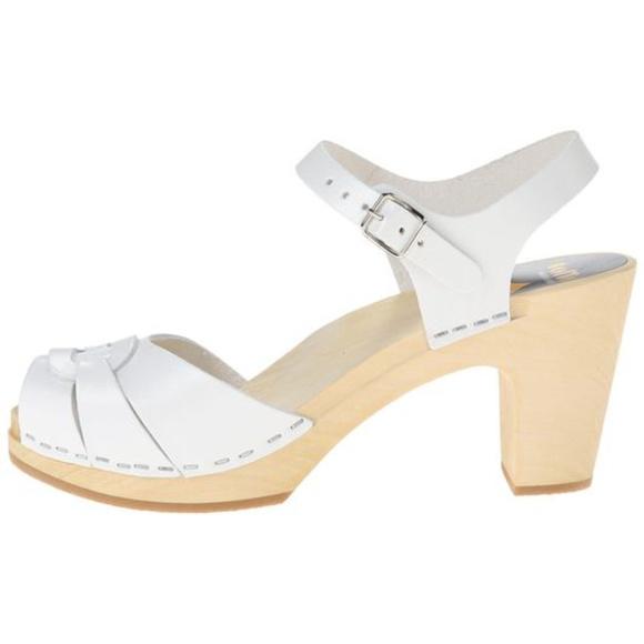 4d468a12acb153 Swedish Hasbeens Peep Toe Super High in White. M 5b608c059539f7f08ec5006d